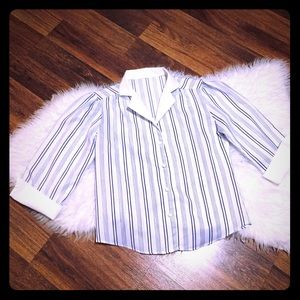 🦋2/$10 3/$15 4/$18 5/$20 Vintage Striped Blouse
